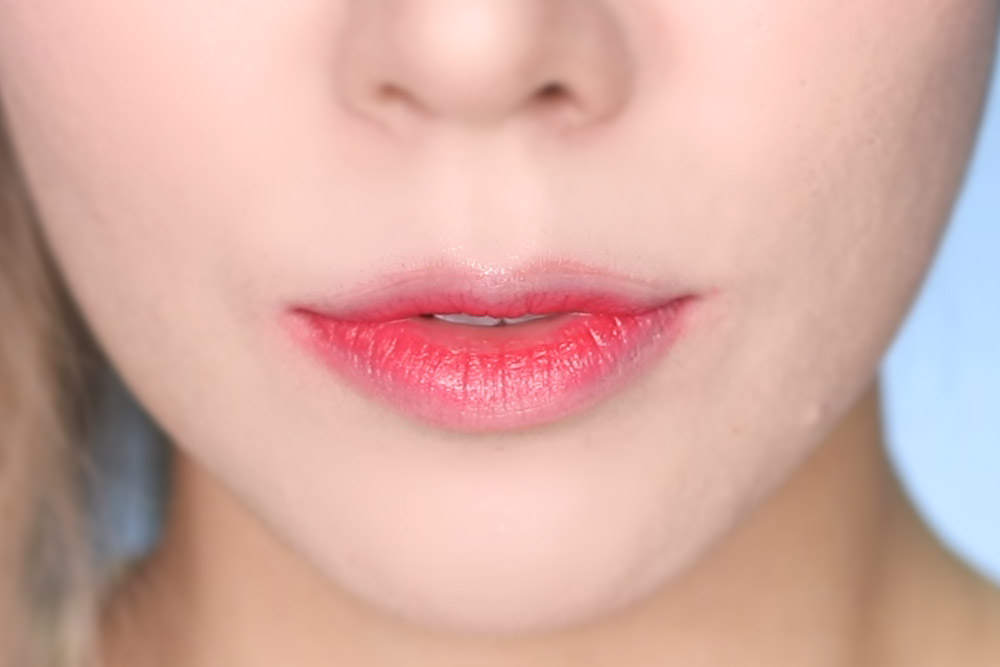07 Lollipop Red - Lip Swatch - Laneige Two Tone Tint Lip bars