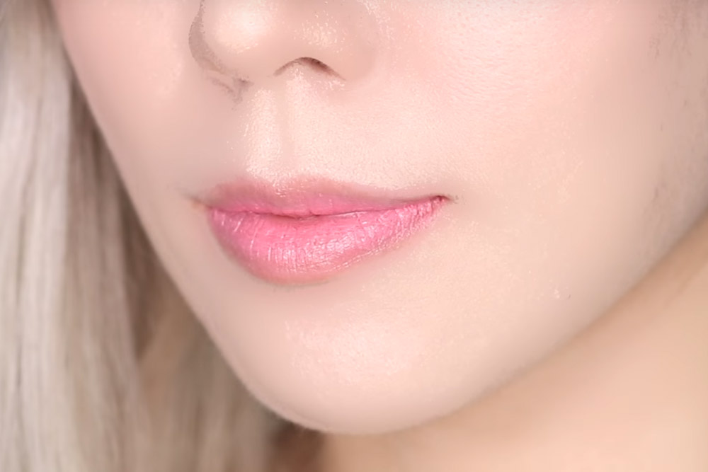 Image of Two tone tint lip bar - #01 Cotton Candy Color lip Swatch