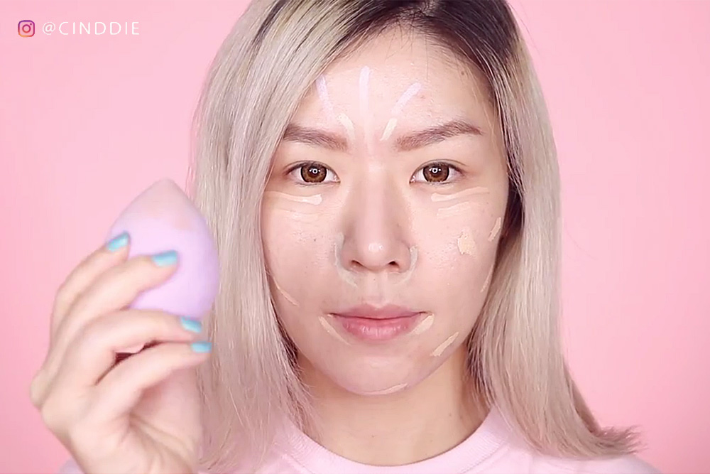 Applying the 3CE Face Tuning Concealer Palette