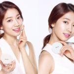 Image of Park Shin Hye using Mamonde Brigtening Cover Powder Cushion